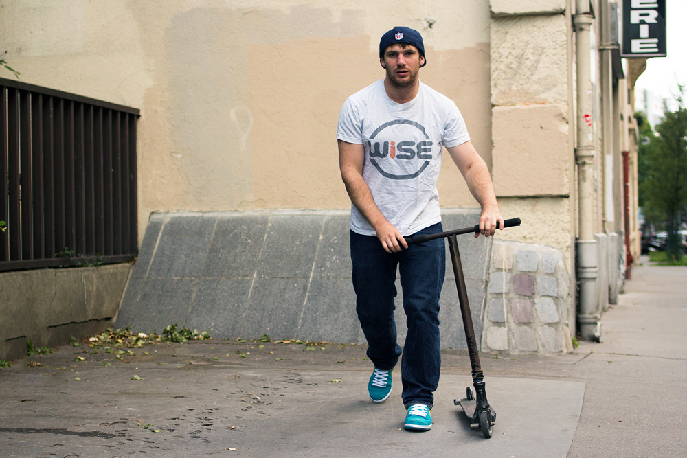 balthazar_neveu_wise_scootering_focused