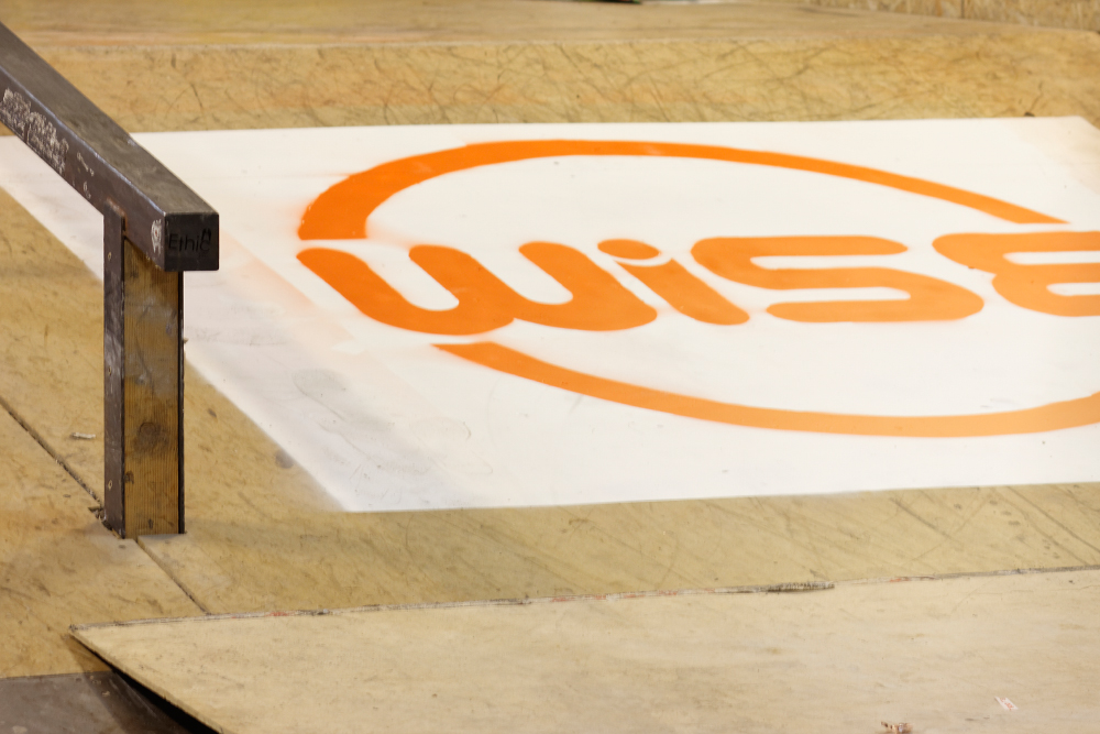 wise_scootering_montreux_2016_rail_logo
